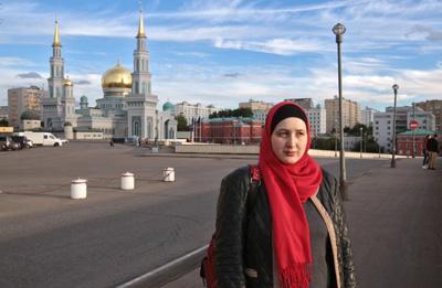 สาวรัสเซีย เติบโตมาระหว่าง 2 ศาสนา แต่อัลเลาะห์เลือกให้เธอเป็นมุสลิม