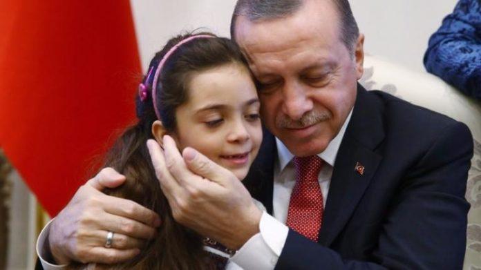 เจอกันแล้ว! เด็กหญิง 7 ขวบที่ทวีตเผยสภาพชีวิตกลางศึกซีเรีย ได้เข้าพบผู้นำตุรกี (คลิป
