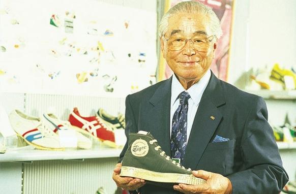 สุดอึ้ง!! รองเท้าแบรนด์ดังระดับโลก ทำจากหนังหมู เพียบ