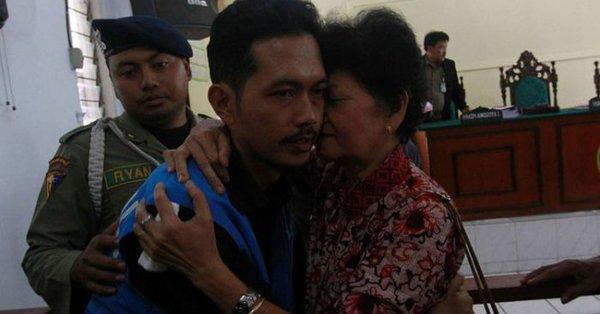 ชายอินโดฯ ถูกจำคุกหลังปลูกกัญชารักษามะเร็งให้ภรรยา