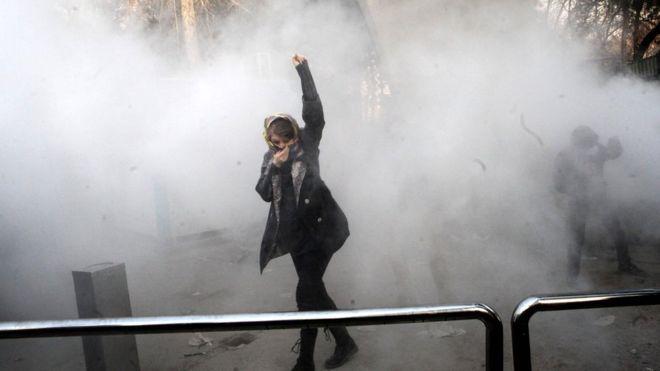 ผู้นำสูงสุดอิหร่านกล่าวหา 'อริ' ของประเทศ อยู่เบื้องหลังเหตุเดินขบวน ตายอย่างน้อย 22