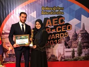 มุสลิมะห์คนเก่ง คว้าราวงวัลดีเด่น AEC TOP-CEO Awards 2018