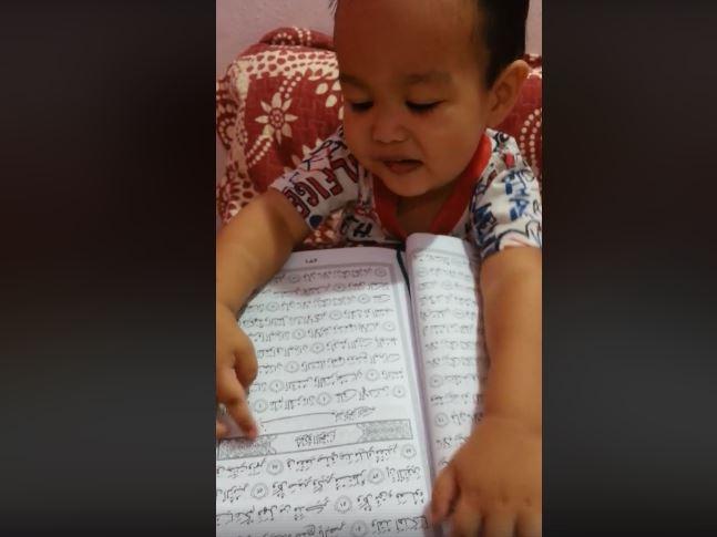 หนุ่มน้อยจำอัลกุรอานได้ถึง 42 ซูเราะห์ ในวัยเพียง 2 ขวบ (คลิป)