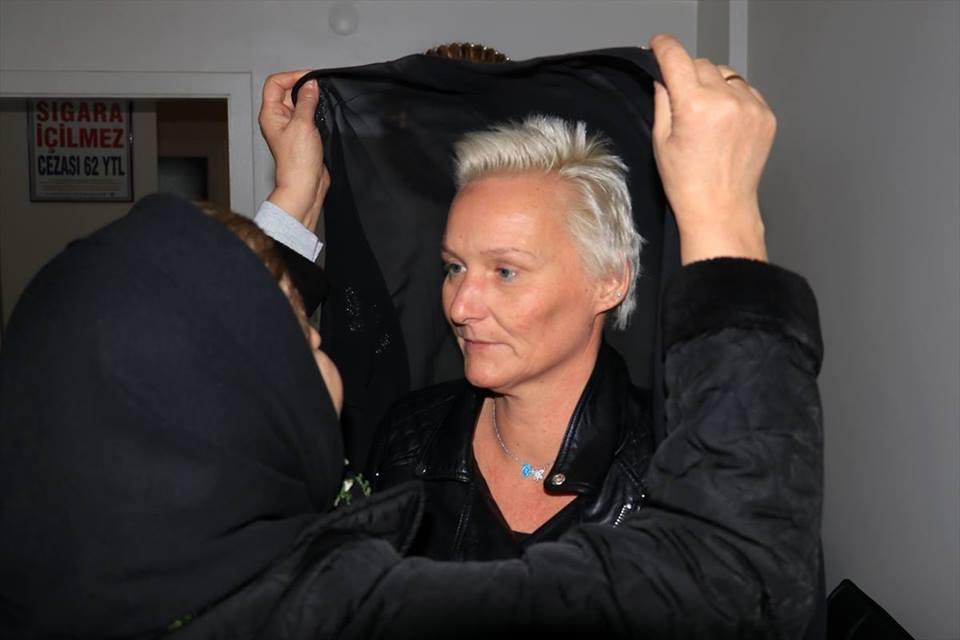 สาวเยอรมันเข้ารับอิสลามที่ตรุกี พร้อมชื่อใหม่จากซูเราะห์นี้!!