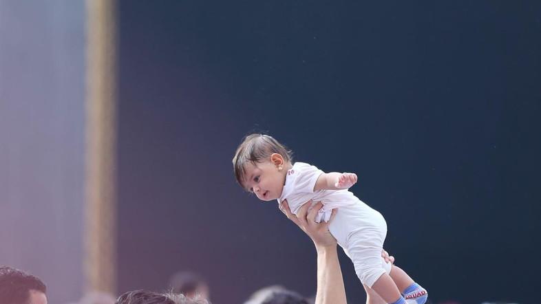ภาพสุดน่ารัก! เด็กตามบิดา-มารดาร่วมทำอุมเราะฮ์