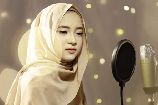 เปิดประวัติ Nissa Sabyan นักร้องสวยเสียงดีกับบทเพลงศรัทธา สร้างยอดวิวกระหึ่มโลก!